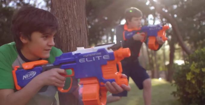 Best NERF War Ever Nerf N-Strike Elite HyperFire Blaster with friend war game