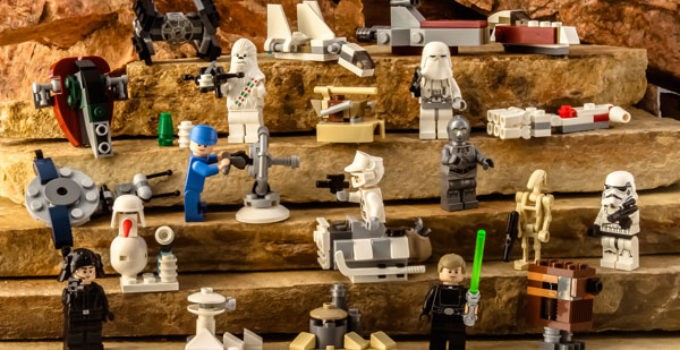 LEGO-Star-Wars-75146-Holiday-Advent-Calendar-2016-Character