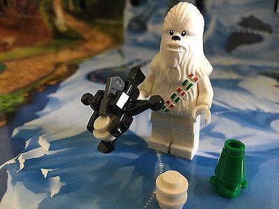 Lego-Star-Wars-Christmas-Snow-Chewbacca-from-75146