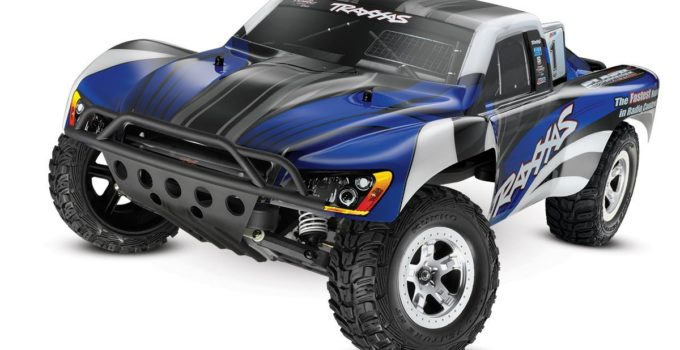Traxxas 1-10 Slash 2WD RTR with 2.4GHz Radio Review