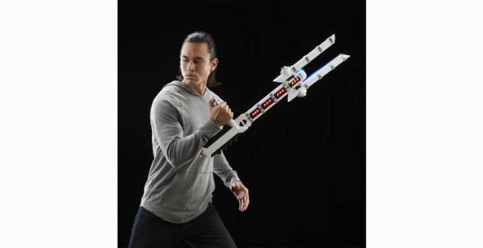Star Wars The Black Series Force FX Z6 Riot Control Baton Review